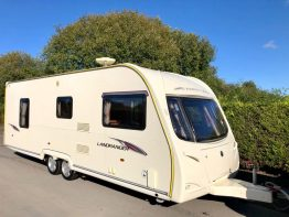 Avondale Landranger 6400 Twin Axle Island Bed Caravan