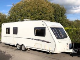 Swift Charisma 610 Fixed Island Bed 2008