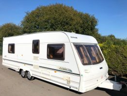 Lunar Lexon 640 Twin Axle Island Bed Caravan