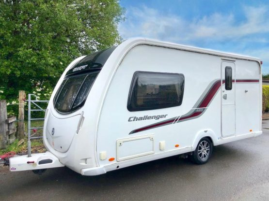 Swift Challenger 480 2011 2 Berth