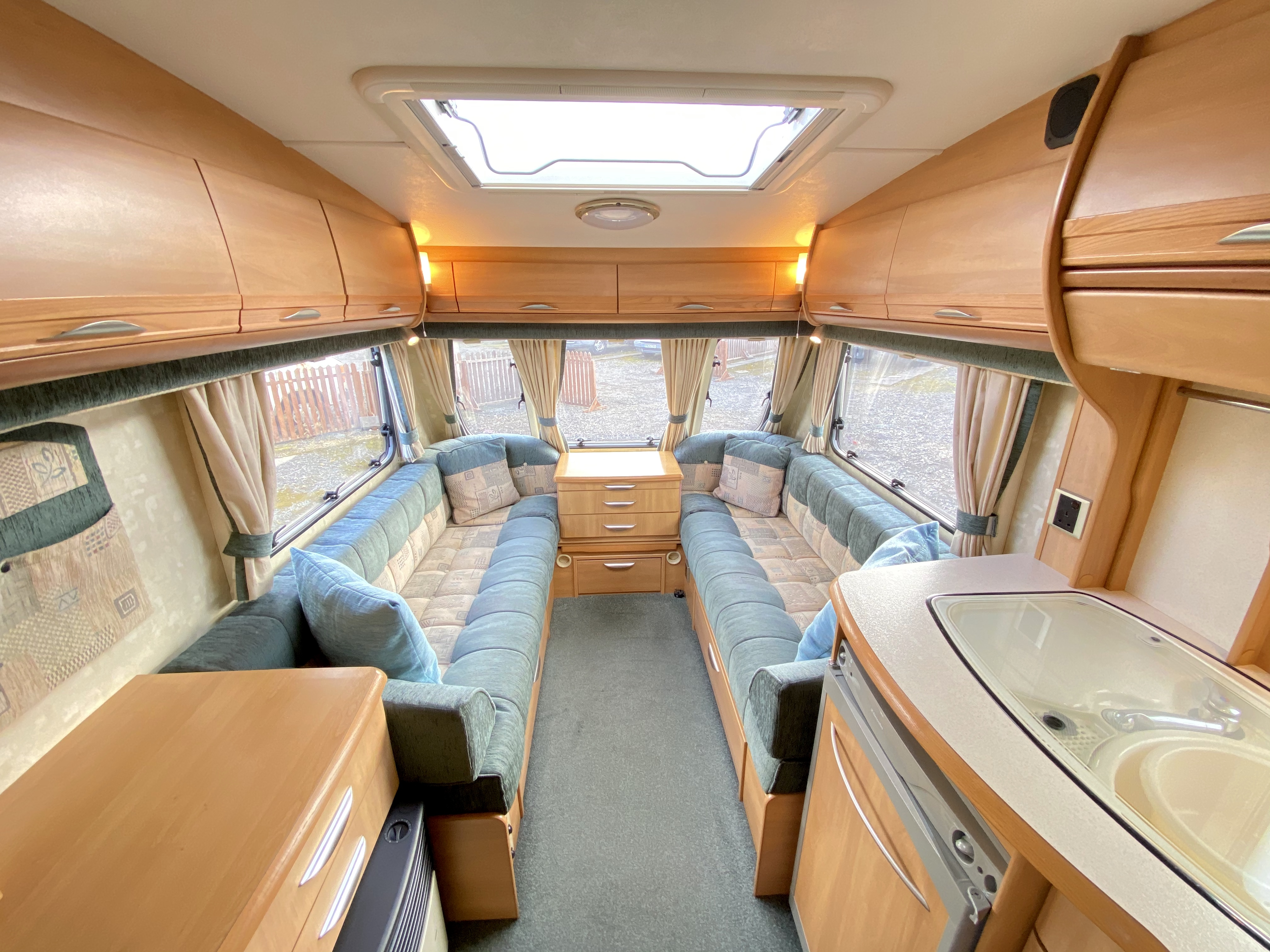 Swift Challenger 2 Berth Caravan