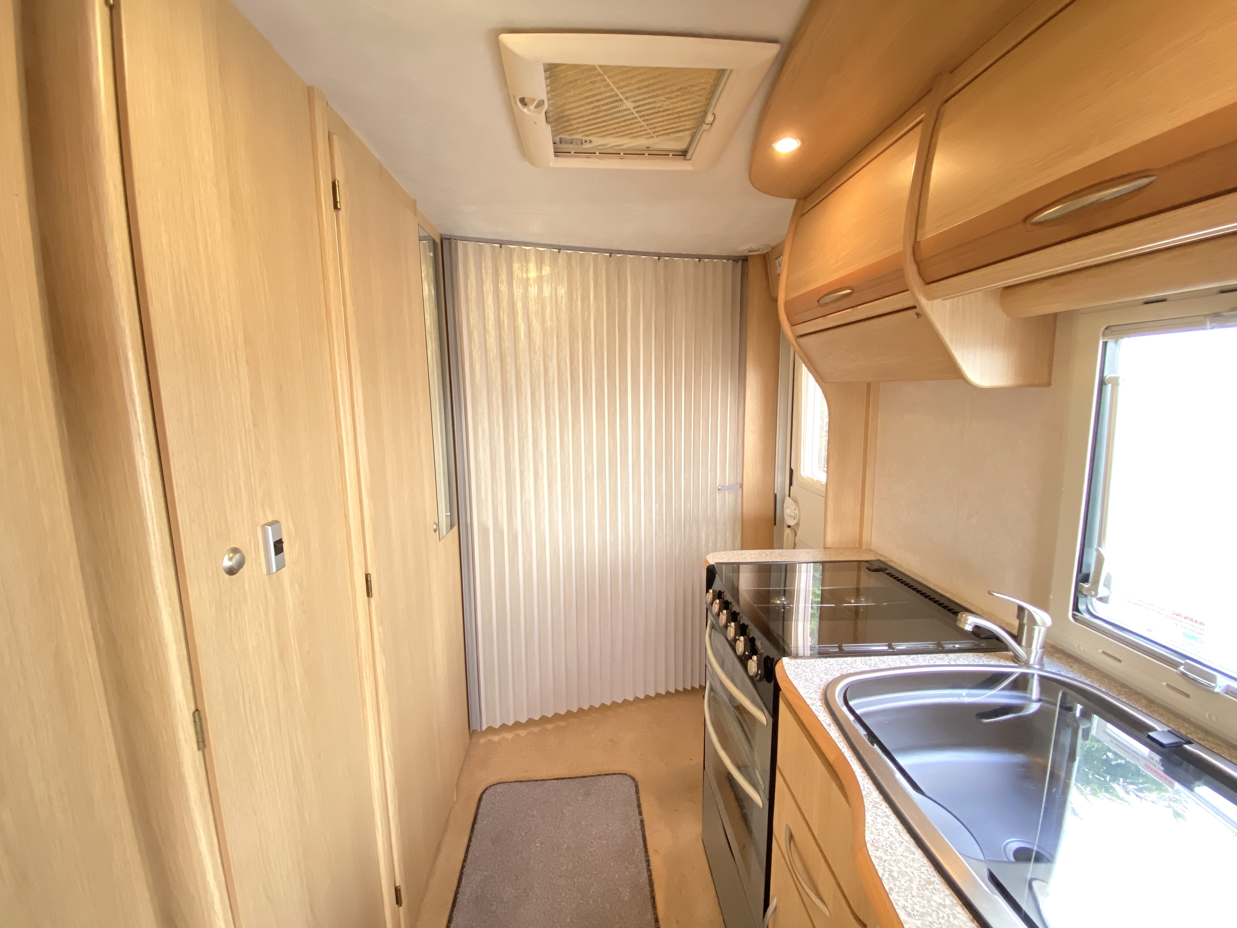 Coachman Pastiche 540 Fixed Bed